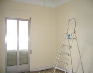 Alt= dormitorio principal sin reformar reforma vivienda