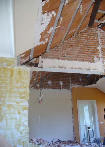 Alt= Dormitorio sin reformar reforma integral vivienda